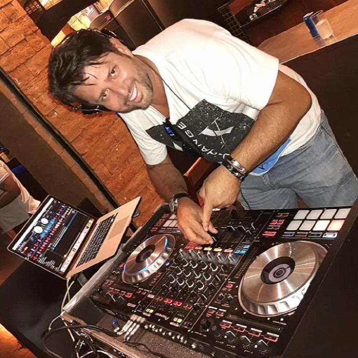 Final de Ano é com o DJ Sidney